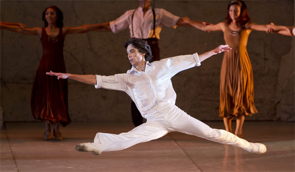 """باليه """"زوربا"""".. سيمفونية راقصة تمنح الحياة معنى"""