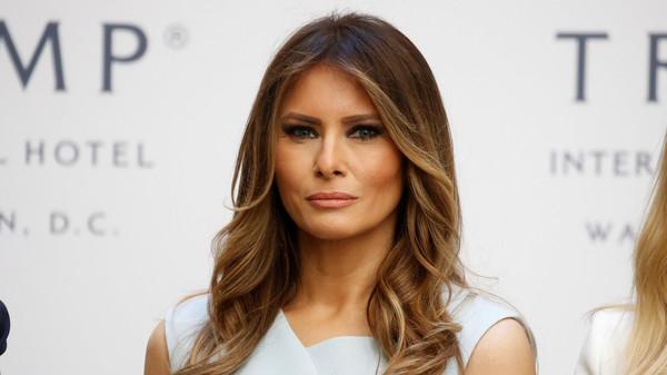 """""""ميلانيا ترامب"""" تنفي مغادرتها للبيت الأبيض"""