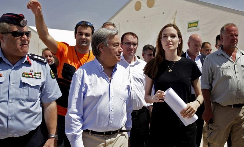 """""""أنجلينا جولي"""" في مخيم الزعتري: """"الأزمة السورية خرجت عن السيطرة"""""""