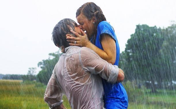 """""""القبلة"""" لغة التواصل بين المحبين.. تعرفي على أنواعها"""