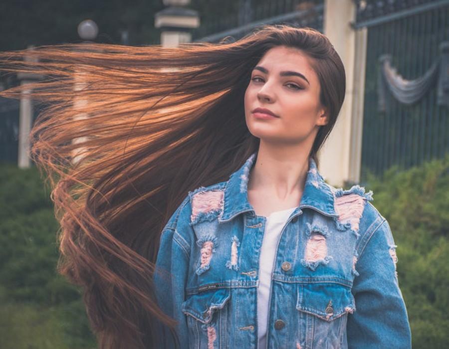 9 نصائح للحصول على شعر أطول طبيعيًا