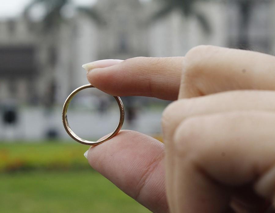 4 علامات تؤكد أن حبيبك مستعد للزواج
