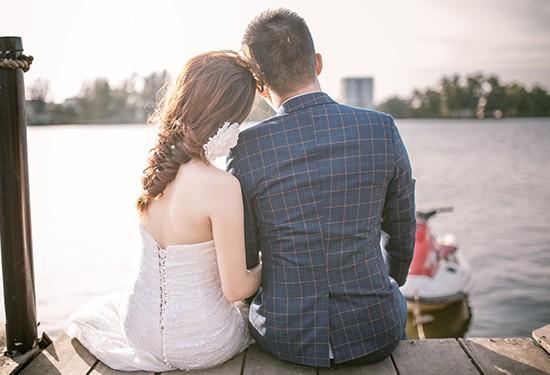 10 طرق لتخبرين زوجك برغبتك في العلاقة الحميمية
