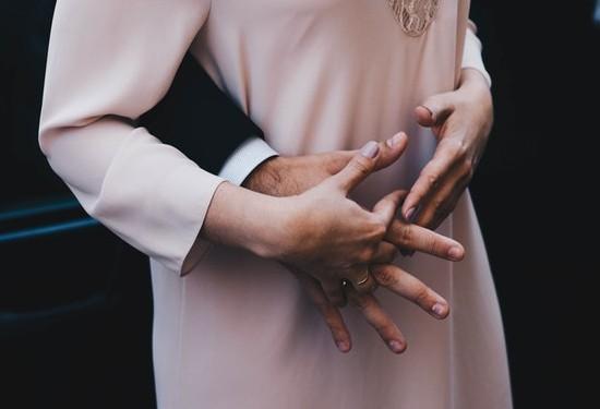6 خطوات لتتعاملي مع غيرة زوجك من نجاحك
