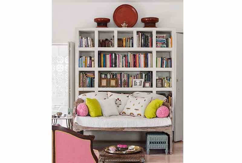 مكتبات منزلية بسيطة