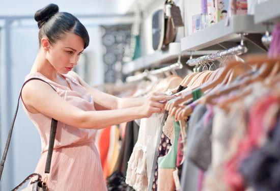10 نصائح عليكِ معرفتها قبل شراء ملابس العيد