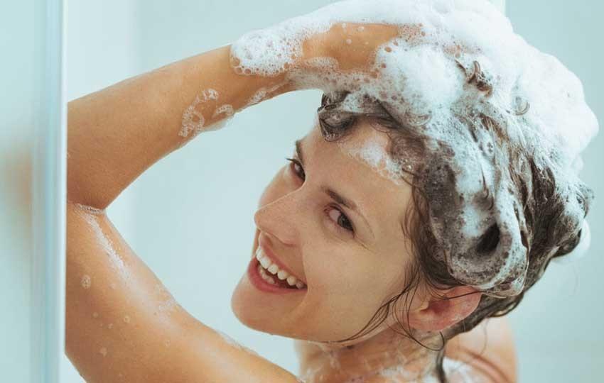 أفضل شامبو لعلاج قشرة الشعر