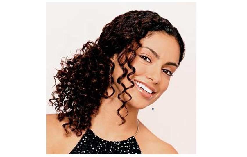 تسريحات الشعر القصير للمناسبات