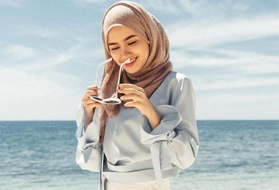 9 نصائح لتنسيق ملابس المُحجبات على الشاطىء
