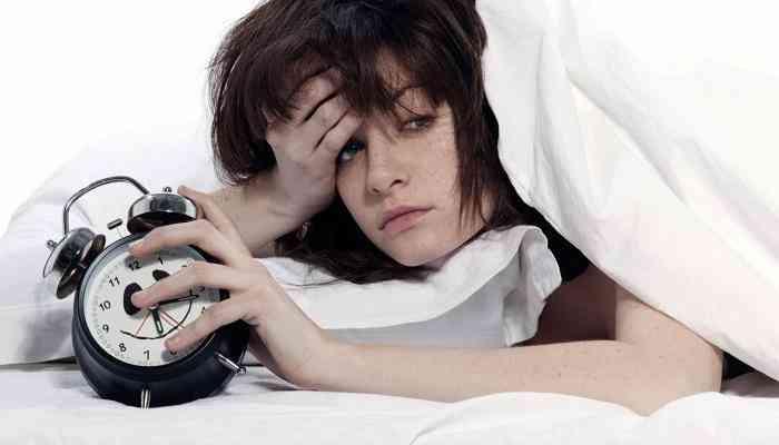 أسباب قلة النوم وكيفية التغلب عليها