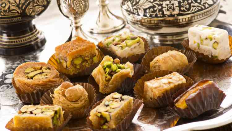 أطباق حلويات جديدة في رمضان.. زيني بها سفرتك
