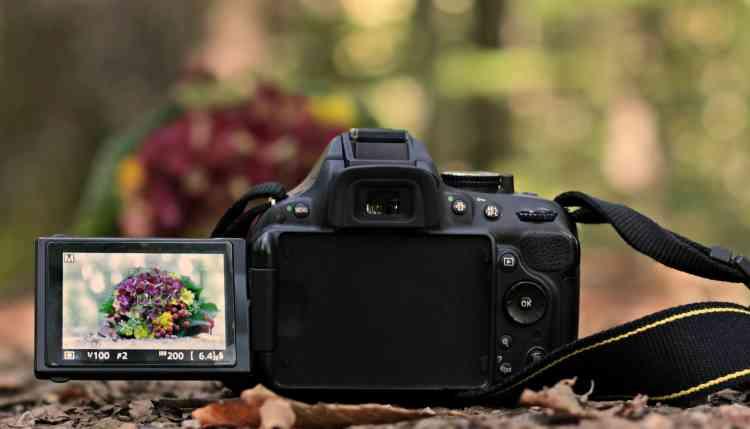 أفضل 10 كاميرات تصوير للمبتدئين والمحترفين