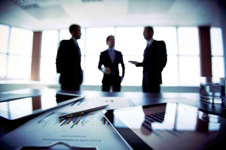 أقسام إدارة الأعمال المختلفة وفرص التوظيف
