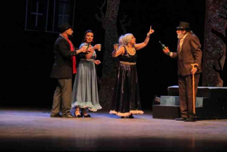 أهمية توظيف لغة الجسد في المسرح