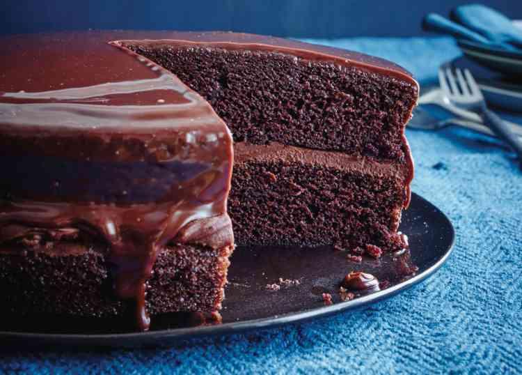 اصنعي كيكة الهوهوز بالشوكولاتة بطريقة سهلة