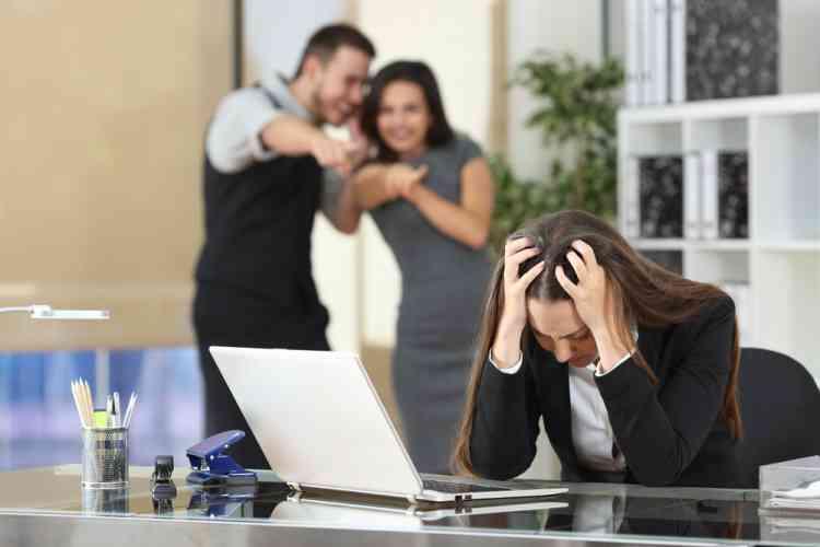 التنمر في أماكن العمل قد يصيبك بأمراض القلب والسكر