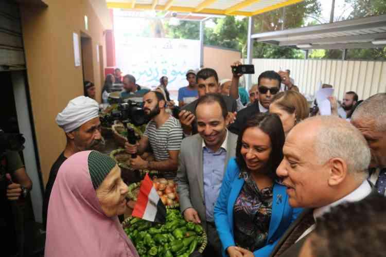 المساواة بين الجنسين وتمكين المرأة في افتتاح سوق زنين