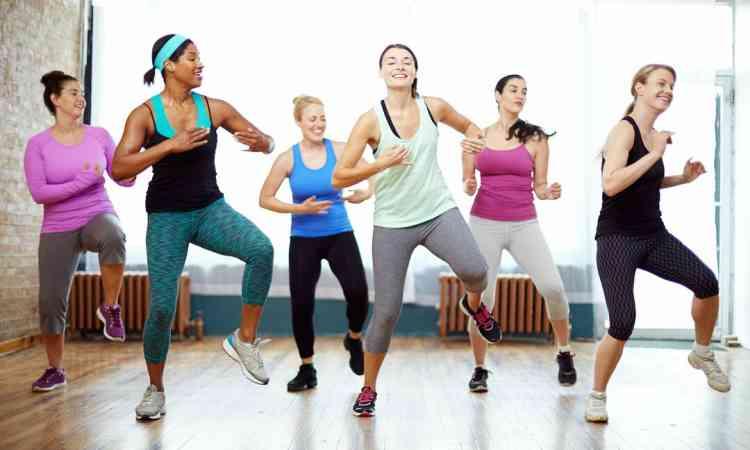 تمارين الزومبا لحرق السعرات الحرارية والاستمتاع بالرياضة
