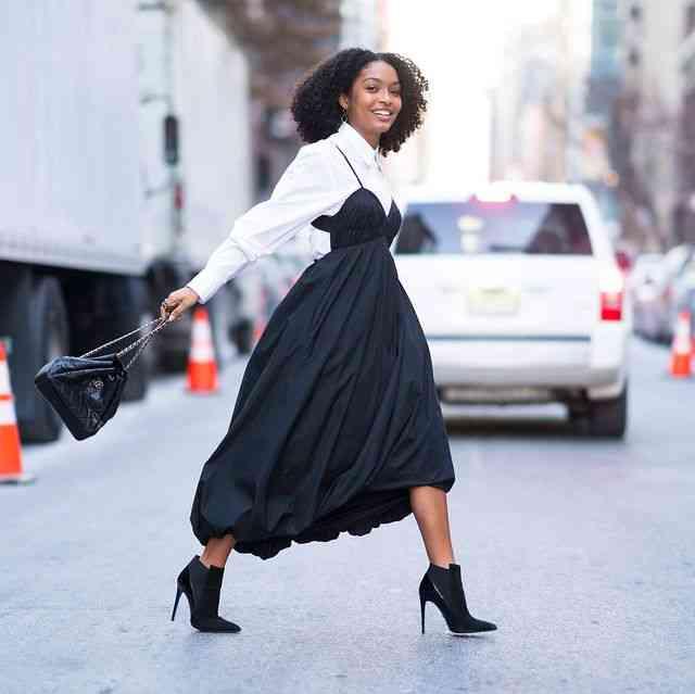 تنسيق اللون الأسود في الملابس بأفكار مختلفة