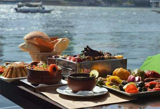 دليلك الشامل للمطاعم والكافيهات على النيل