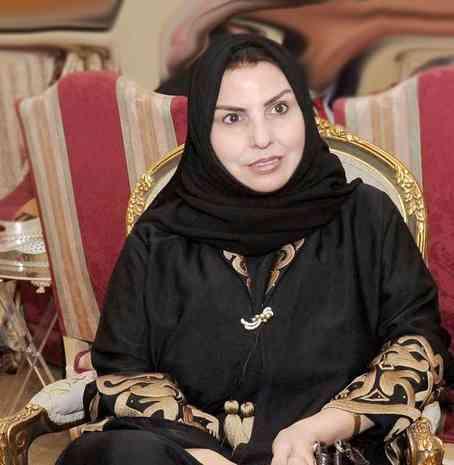 سعدية مفرح سفيرة الشعر الكويتي المتحررة من كل قيد