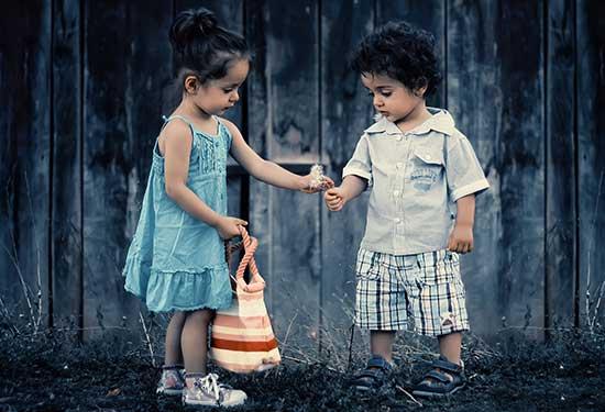 طرق التعبير عن الحب غير الكلام
