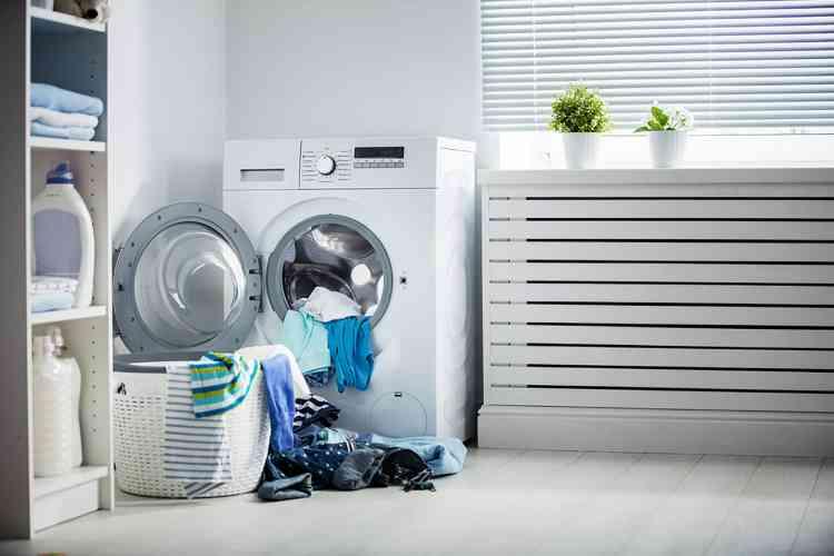 طرق تطهير الملابس وتعقيمها دون تعريضها للتلف