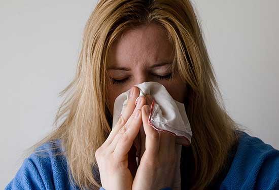 طرق علاج البرد طبيعيا ودون تناول الأدوية
