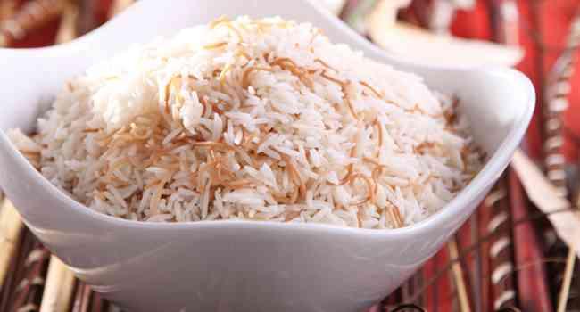 طريقة عمل الأرز بالشعرية بوصفات سهلة ومضبوطة
