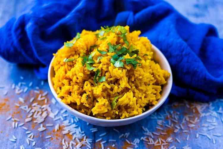 طريقة عمل الأرز بالكركم بأكثر من وصفة شهية