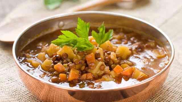 طريقة عمل العدس بجبة لوجبة غذائية متكاملة
