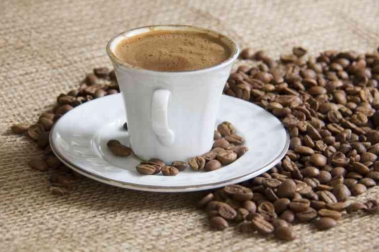 طريقة عمل القهوة التركية وطريقة بعض الحلويات معها