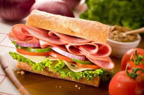 طريقة عمل اللانشون باللحمة لوجبة شهية وصحية