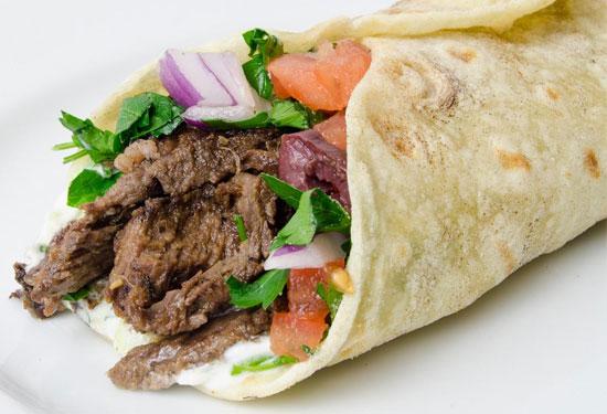 طريقة عمل شاورما اللحم بأكثر من وصفة عربية