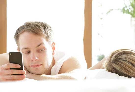 علامات يمكن أن تكشف لكِ الخيانة الزوجية