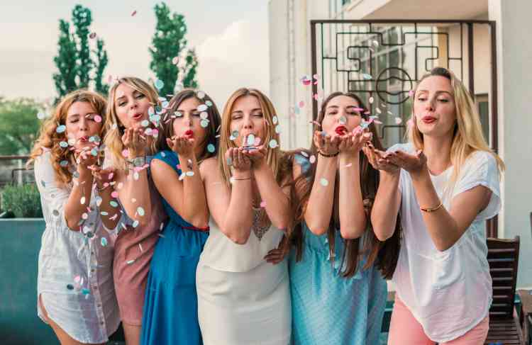 فساتين الحنة لإطلالة مميزة في حفل ما قبل الزفاف