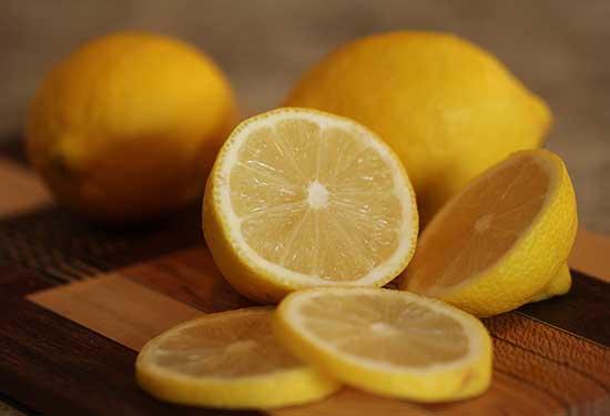 فوائد الليمون للصحة والبشرة والشعر وأضراره أيضا