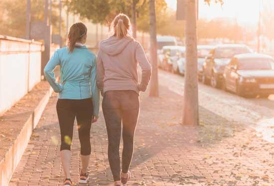 فوائد المشي يوميا للمحافظة على صحة قلبك وعقلك