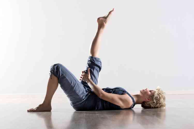 ما هي تمارين الإطالة وكيف يستفيد جسمك بها