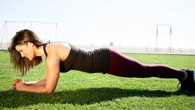 فوائد تمرين البلانك لشد الجسم والتخلص من السليوليت