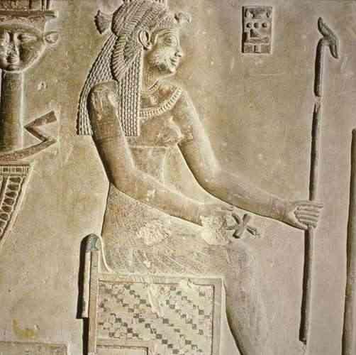 كليوباترا ملكة مصر الأكثر شجاعة وإثارة للجدل
