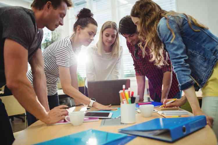 كيف تبني فريق عمل ناجح؟.. 6 أمور تخبرك