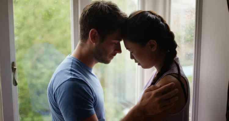 كيف تتعاملين مع هوس الزوج بالعلاقة الحميمة