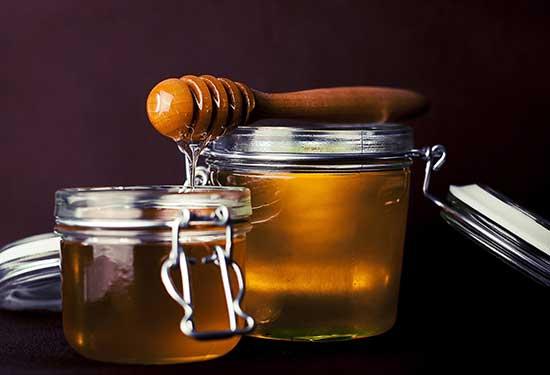 فوائد عسل النحل للصحة والجمال التي يجب عليك معرفتها