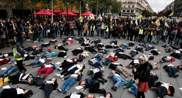 مئات النساء يتظاهرن في باريس ضد العنف الأسري