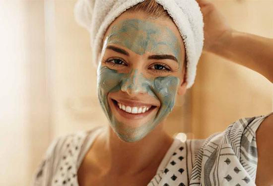 ماسك الطمي لتنظيف البشرة وفوائده