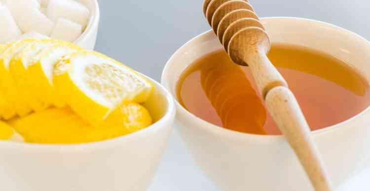 ماسك العسل والليمون الطريقة والفوائد والأضرار