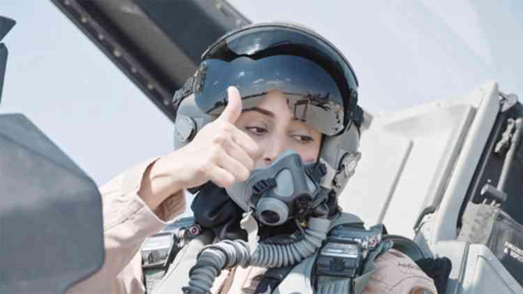 مريم المنصوري أول إماراتية برتبة رائد طيران مقاتل