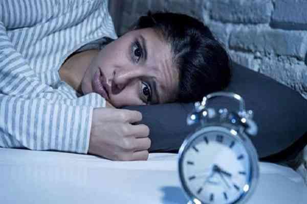مشروبات تساعد على النوم وتخلصك من الأرق