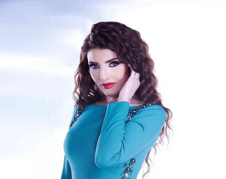 نادين البدير إعلامية سعودية ناصرت الحق وتجاهلت الهجوم